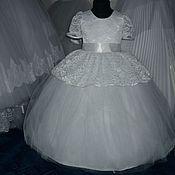 Работы для детей, ручной работы. Ярмарка Мастеров - ручная работа Платье белоснежное с кружевом в розочку. Handmade.