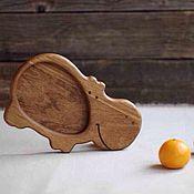Посуда ручной работы. Ярмарка Мастеров - ручная работа Деревянная детская тарелка Бегемотик. Handmade.