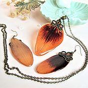 Украшения handmade. Livemaster - original item Vintage Earrings and Pendant Set with orange Resin Lily Petals. Handmade.