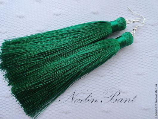 """Серьги ручной работы. Ярмарка Мастеров - ручная работа. Купить Серьги кисти """"Зеленое море"""". Handmade. Зеленый, сережки кисти"""