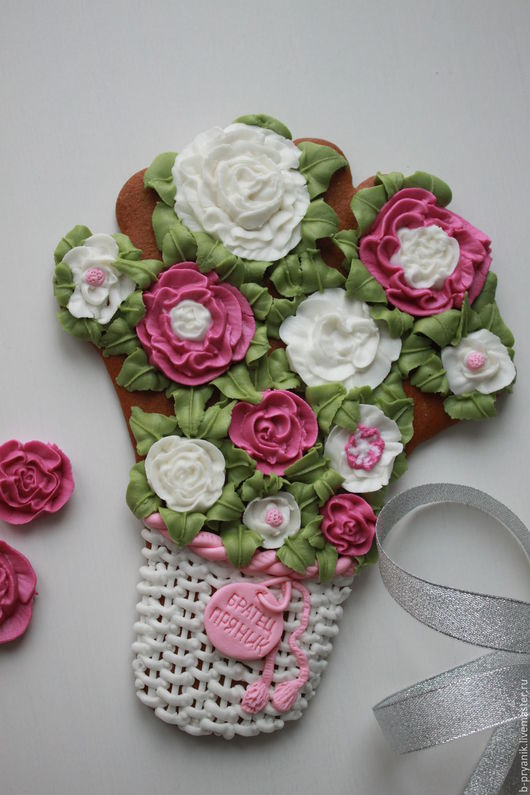 Пряничная корзинка с объемными цветами. Отличный подарок на 8 марта!