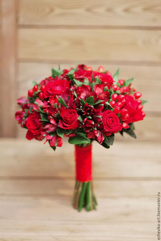 Свадебные цветы ручной работы. Ярмарка Мастеров - ручная работа. Купить Букет невесты / Красный свадебный букет. Handmade.