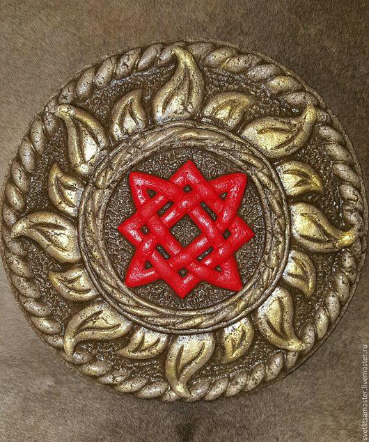 Звезда Руси в темно-коричневом цвете с красным символом
