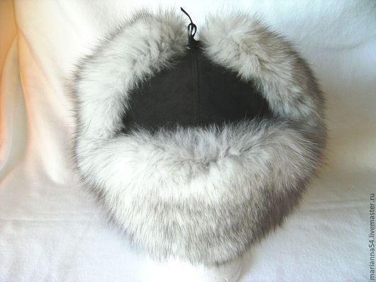 Меховая шапка - ушанка, гренландский песец, серая замша, подкладка - стёганый атлас. Р-р 56-58. единственный экземпляр. (Марианна Карижская)