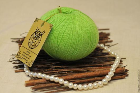 Пряжа кашемировая `Зеленое яблоко`. Магия Веретена Восхитительная Пряжа. Интернет-магазин Ярмарка Мастеров.