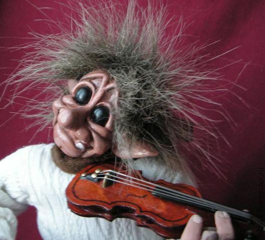Сказочные персонажи ручной работы. Ярмарка Мастеров - ручная работа. Купить Норвежский тролль скрипач. Handmade. Интерьерная кукла