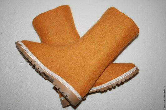 Обувь ручной работы. Ярмарка Мастеров - ручная работа. Купить Валенки ручной работы -100% шерсть. Handmade. Оранжевый