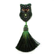 Украшения handmade. Livemaster - original item Beaded brooch with silk brush. The emerald owl. decoration. Brooch. Handmade.