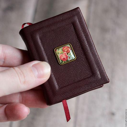Блокноты ручной работы. Ярмарка Мастеров - ручная работа. Купить Миниатюрная записная книжка. Handmade. Бордовый, миниатюра, натуральная кожа