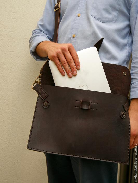 Сумка-чехол для вашего ноутбука/ кожа быка/ исключительная ручная работа/ Приглашаем Вас в гости vk.com/myhandsel