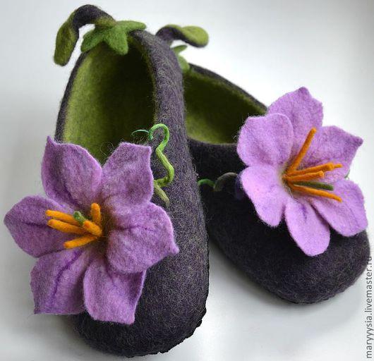 Обувь ручной работы. Ярмарка Мастеров - ручная работа. Купить тапочки - баклажанчики. Handmade. Мокрое валяние, тапочки из войлока