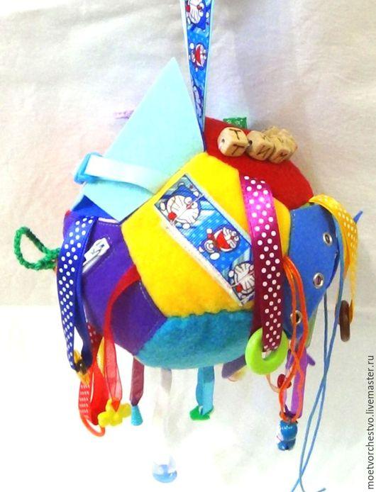 """Развивающие игрушки ручной работы. Ярмарка Мастеров - ручная работа. Купить Развивающий мячик застёжки  """"Именной"""" с подвесками. Handmade. ткань"""