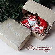 Подарки к праздникам ручной работы. Ярмарка Мастеров - ручная работа Елочные игрушки, набор украшений, 4 фигурки, красный-белый-золото. Handmade.