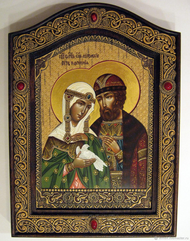 Святые Петр и Феврония Муромские. Икона, подаренная на свадьбу молодоженам, призвана стать хранителем семейного счастья и помощником в трудных жизненных ситуациях.