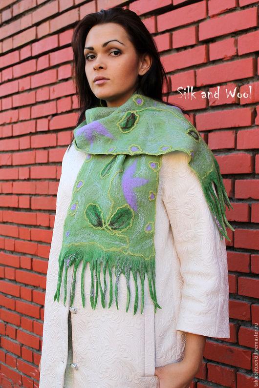 Шали, палантины ручной работы. Ярмарка Мастеров - ручная работа. Купить шарф ЗЕЛЕНЬ войлок, шелк шерсть, нежный шарф. Handmade.