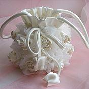 """Свадебный салон ручной работы. Ярмарка Мастеров - ручная работа Вечерняя сумочка """"Сплетенье роз молочно-белых"""". Handmade."""