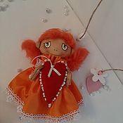 Подарки на 14 февраля ручной работы. Ярмарка Мастеров - ручная работа Подарки на 14 февраля: Малышка с сердечком. Handmade.