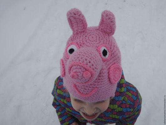 """Шапки и шарфы ручной работы. Ярмарка Мастеров - ручная работа. Купить Шапка шлем """"Свинка Пеппа"""". Handmade. Розовый"""