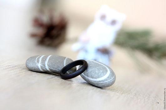 Кольца ручной работы. Ярмарка Мастеров - ручная работа. Купить Узкое колечко из черного дерева. Handmade. Черный, узкое колечко