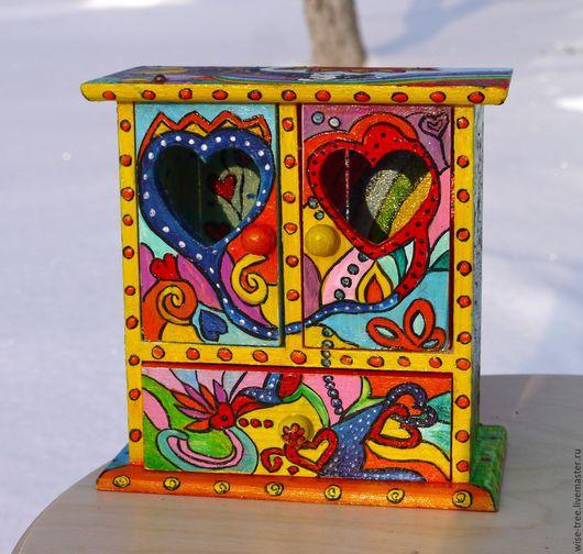 """Мини-комоды ручной работы. Ярмарка Мастеров - ручная работа. Купить Комодик-шкафчик """"Влюблённый"""" (роспись, дерево). Handmade."""
