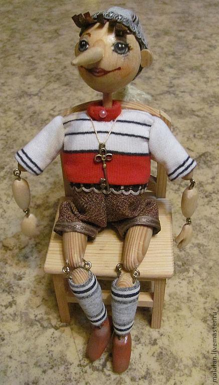 """Человечки ручной работы. Ярмарка Мастеров - ручная работа. Купить Игрушка деревянная""""Буратинка"""". Handmade. Буратино, дерево, помпоны"""