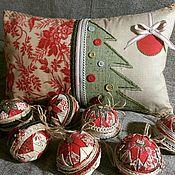 Для дома и интерьера ручной работы. Ярмарка Мастеров - ручная работа Подушка и шары новогодние. Handmade.