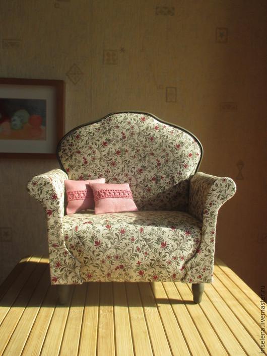 """Кукольный дом ручной работы. Ярмарка Мастеров - ручная работа. Купить Просторное кресло """" Николь """" Для кукол от 30 до 40 см. Handmade."""