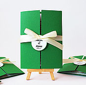 Свадебный салон ручной работы. Ярмарка Мастеров - ручная работа Пригласительные на свадьбу Зеленый Золотой цвет. Handmade.