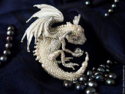 """Броши ручной работы. Ярмарка Мастеров - ручная работа. Купить Брошь дракон  """"Сильви"""" Брошь бисер. Серебряный  дракон. Handmade."""