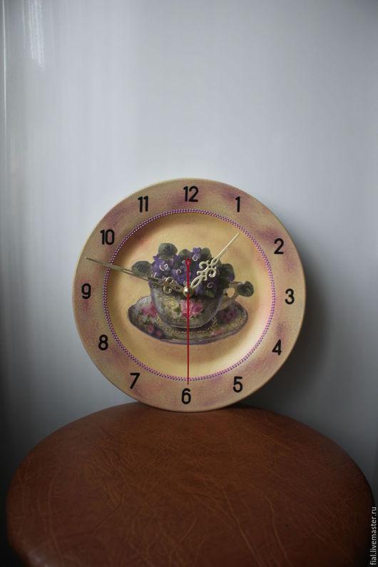 """Часы для дома ручной работы. Ярмарка Мастеров - ручная работа. Купить Часы """"Фиалковое очарование"""". Handmade. Сиреневый, букетик фиалок"""
