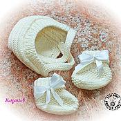 Работы для детей, ручной работы. Ярмарка Мастеров - ручная работа Комплект для новорожденного Шапочка и пинетки. Handmade.