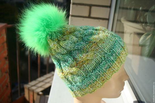 Шапки ручной работы. Ярмарка Мастеров - ручная работа. Купить Стильная шапка с помпоном Ярко-зеленая. Handmade. Ярко-зелёный