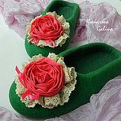 """Обувь ручной работы. Ярмарка Мастеров - ручная работа женские валяные тапочки """"Роза алая"""". Handmade."""