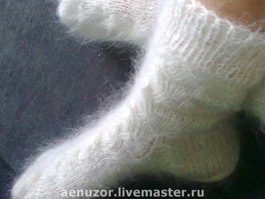 Носки, Чулки ручной работы. Ярмарка Мастеров - ручная работа. Купить пуховые носочки белосНЕЖНЫЕ подарочные. Handmade. Модные носки