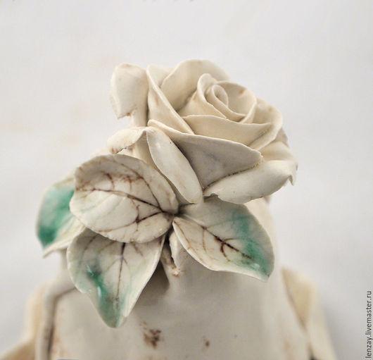 Колокольчик `Белый шоколад`. Керамические цветы Елены Зайченко