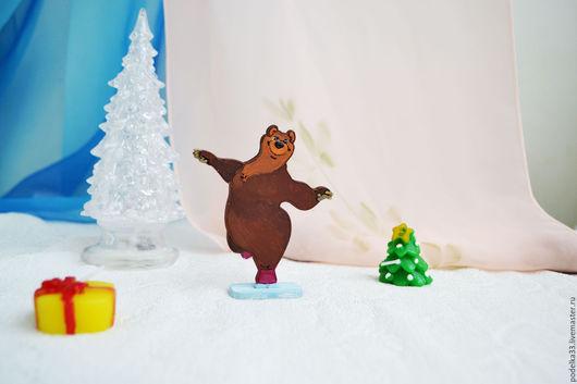 Сказочные персонажи ручной работы. Ярмарка Мастеров - ручная работа. Купить Игрушка, магнит медведица из серии Маша и медведь. Handmade.