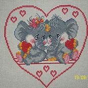 """Картины и панно ручной работы. Ярмарка Мастеров - ручная работа Вышитая картинка """"Влюблённые слоники""""на белой канве.. Handmade."""