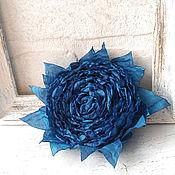 Украшения ручной работы. Ярмарка Мастеров - ручная работа Брошь цветок из ткани. Синяя роза Индиго. Handmade.