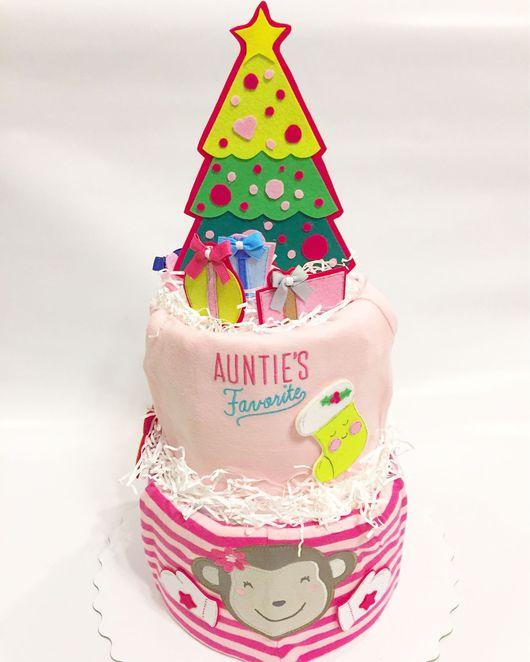 """Подарки для новорожденных, ручной работы. Ярмарка Мастеров - ручная работа. Купить Торт из подгузников """"Ёлочка зелёная, Ёлочка розовая"""". Handmade."""