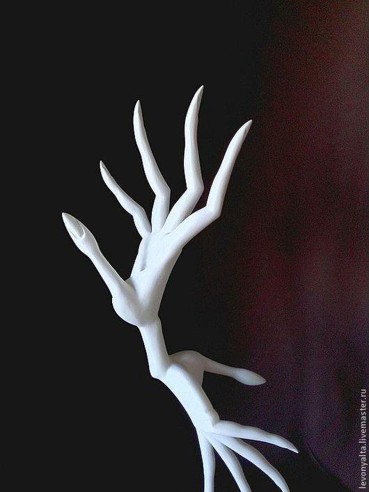 Статуэтки ручной работы. Ярмарка Мастеров - ручная работа. Купить Графика жеста. Handmade. Белый, подарок женщине, дерево липа