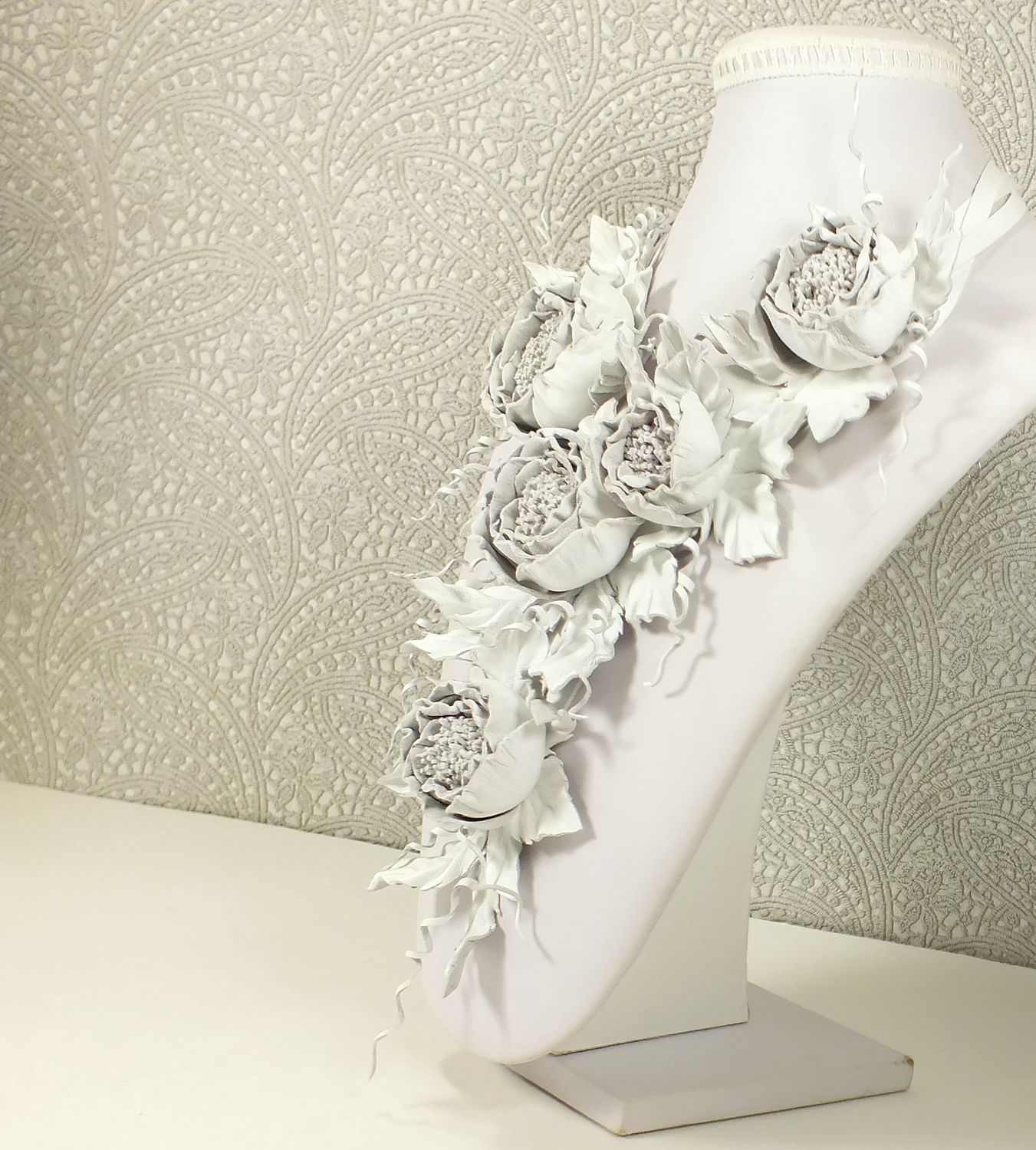 Dance Of The Roses. white. Necklace made of genuine leather, Necklace, St. Petersburg,  Фото №1
