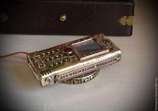 Персональные подарки ручной работы. Ярмарка Мастеров - ручная работа. Купить Стимпанк телефон (NOKIA 130),+беспроводная зарядка +2 SIM карты +LED. Handmade.