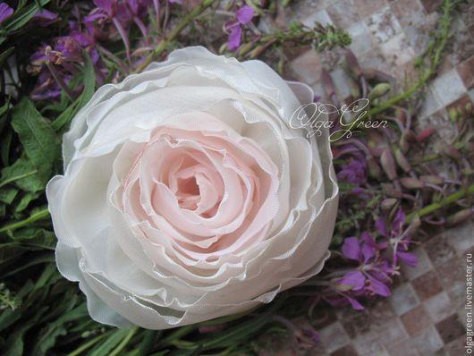 Броши ручной работы. Ярмарка Мастеров - ручная работа. Купить Брошь роза из ткани. Handmade. Бледно-розовый, бело-розовый