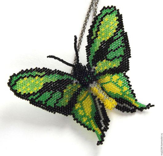 """Броши ручной работы. Ярмарка Мастеров - ручная работа. Купить Кулон - брошь бабочка """"Райский птицекрыл"""". Handmade. Зеленый"""