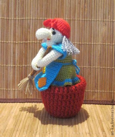 Сказочные персонажи ручной работы. Ярмарка Мастеров - ручная работа. Купить Баба Яга со ступой и метлой. Handmade.