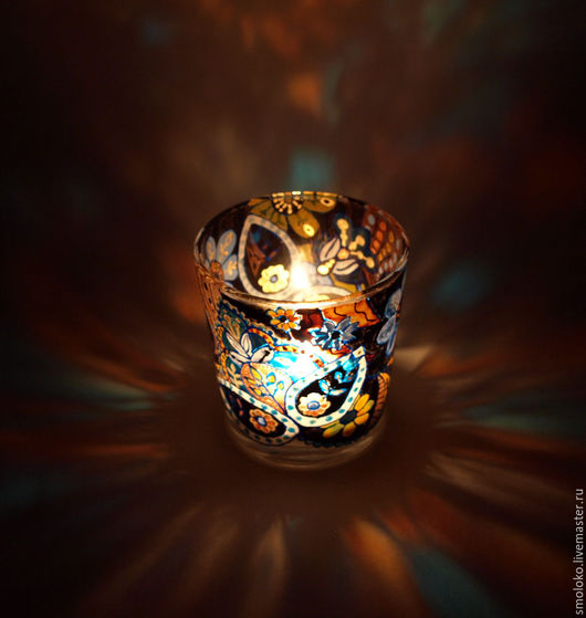 Свечи ручной работы. Ярмарка Мастеров - ручная работа. Купить Свеча массажная ароматическая Абстрактные цветы. Handmade. расписной стаканчик