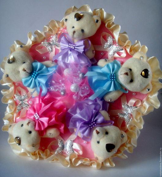 Букет из игрушек мишек Очаровательной подруге