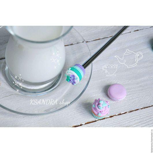 """Ложки ручной работы. Ярмарка Мастеров - ручная работа. Купить Вкусная чайная ложка """"Мини капкейк мятно-фиолетовый с цветами"""". Handmade."""