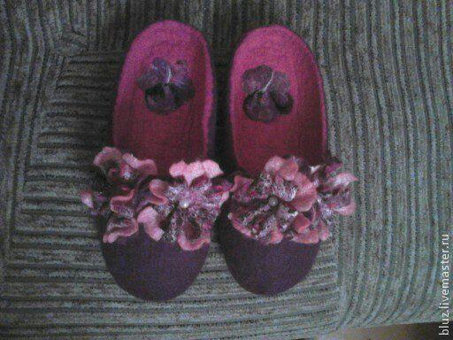 """Обувь ручной работы. Ярмарка Мастеров - ручная работа. Купить Валяные тапочки женские """"Romantic"""". Handmade. Тёмно-фиолетовый"""