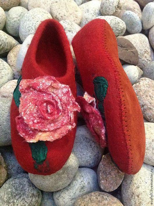 Обувь ручной работы. Ярмарка Мастеров - ручная работа. Купить Домашние туфельки - для Анюты. Handmade. Ярко-красный, тапочки из шерсти
